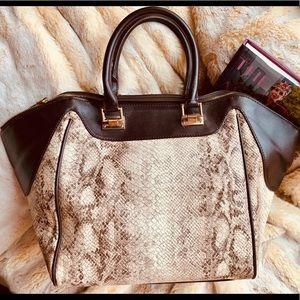 Handbags - Gorgeous vegan leather fashion bag large